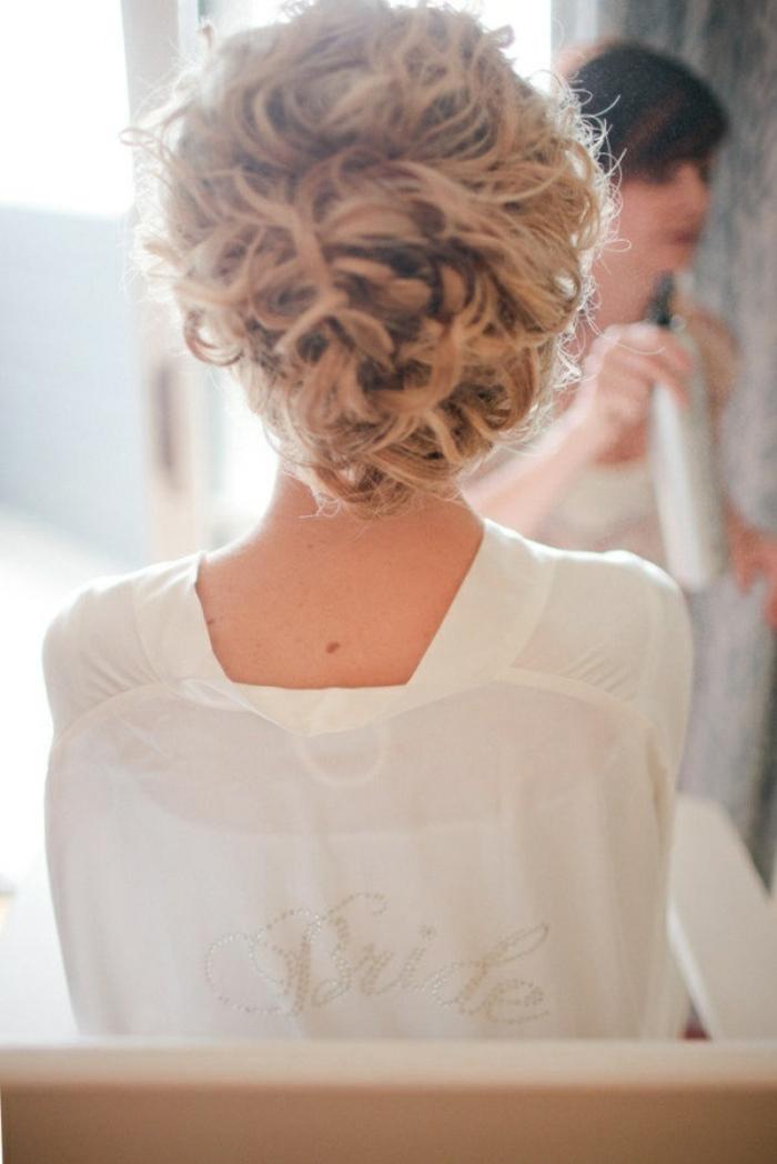 Coiffure cheveux long bouclés mariage coiffure mariage cheveux longs lachés bouclés chignon