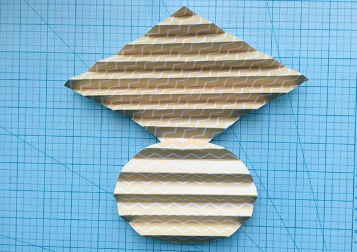 activité créative, étape à suivre pour faire une déco facile, schéma de pliage de papier facile