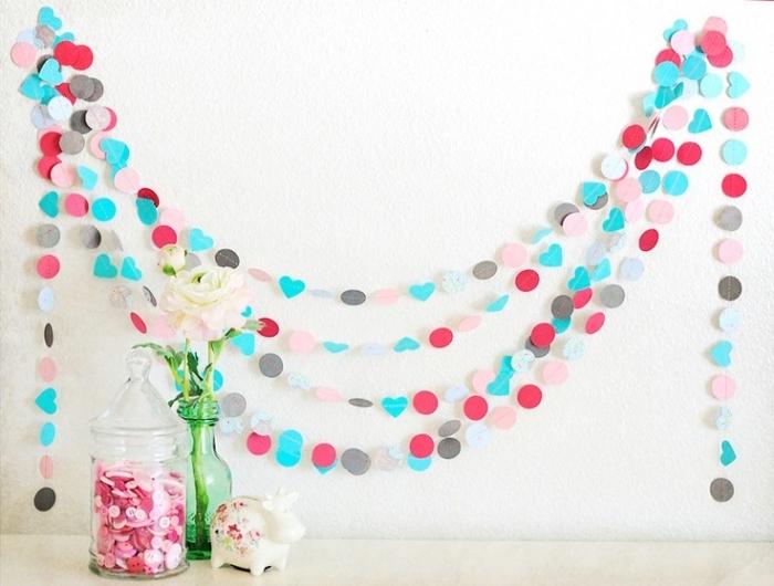activité manuelle pour ado, décoration murale pour chambre ou salon avec guirlande en papier