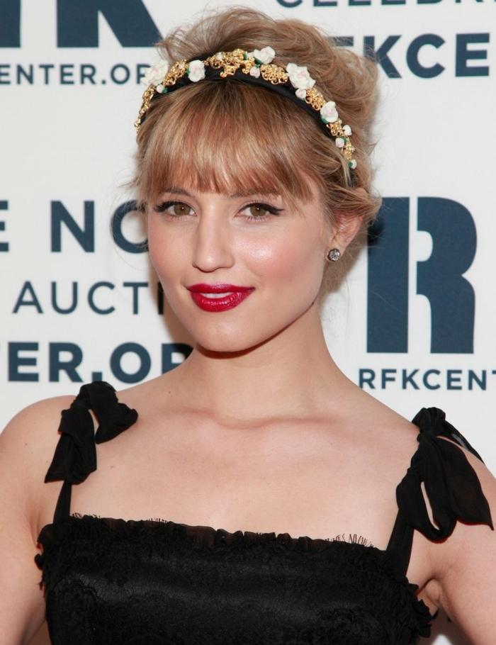 headband cheveux courts, accessoire de coiffure modèle floral, coiffure frangée