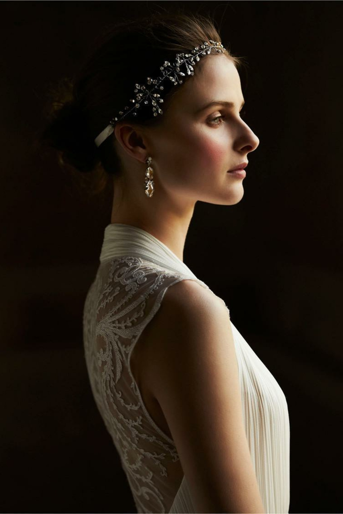 headband mariage, une mariée magnifique, le dos en dentelle, bijou de tête avec cristaux