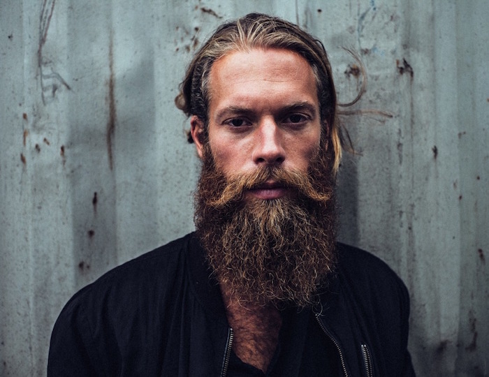 barbe de hipster cheveux longs barbe longue blond