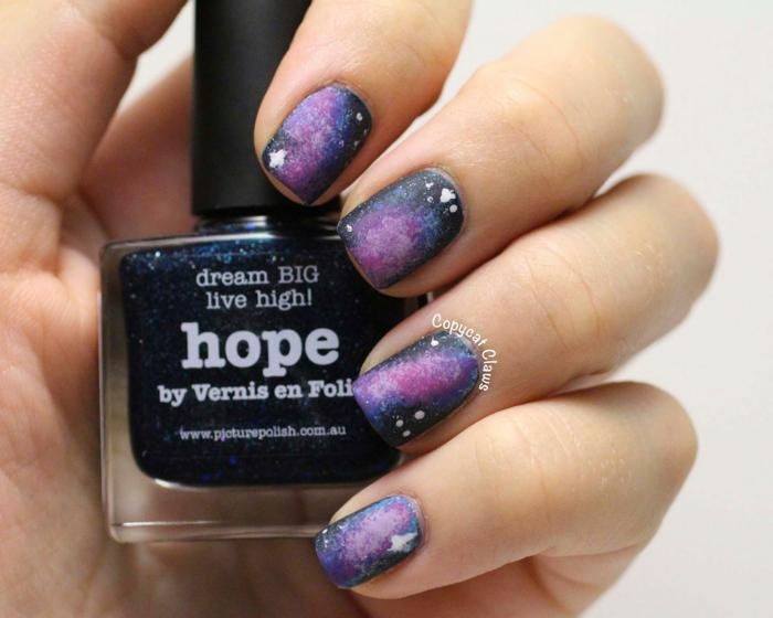 Comment faire du vernis mat manucure nail art dessin galaxie manucure matte