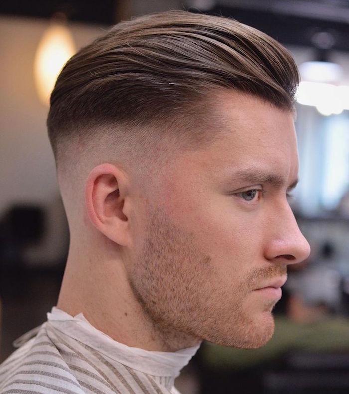 coupe de cheveux en arrière homme long dessus pomp