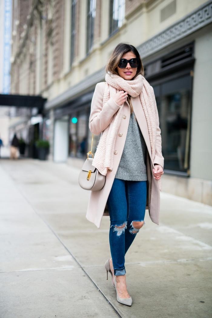 manteau femme, chaussures à talons et pull over femme en gris, manteau et  écharpe 6b70f593351