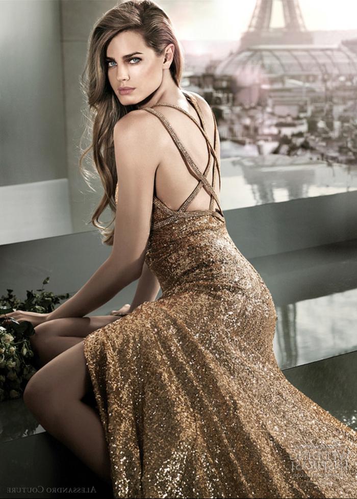 Robe courte dorée robe dorée dos nu idée comment s habiller pour la nouvel an