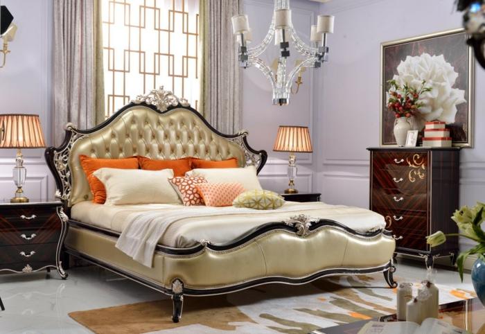 grand lit baroque dans une chambre, peinture de bouquet, commode baroque vintage