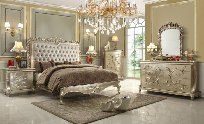 lit baroque, tete de lit caitonnée, couleur grise, chandelier géant, commode beige