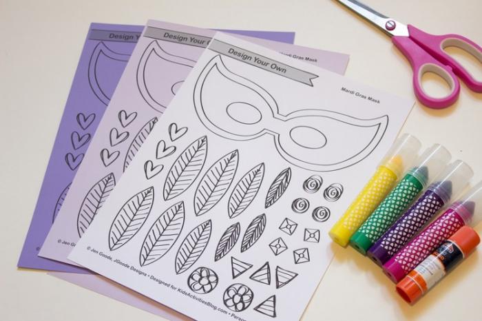 masque carnaval maternelle, matériaux pour faire un masque de carnaval, patron imprimé de masque et petites figurines à colorer