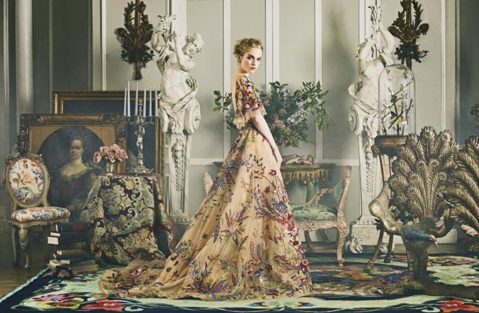 Idée robes longues de soirée tenue habillée robe doree belle robe longue fleurie