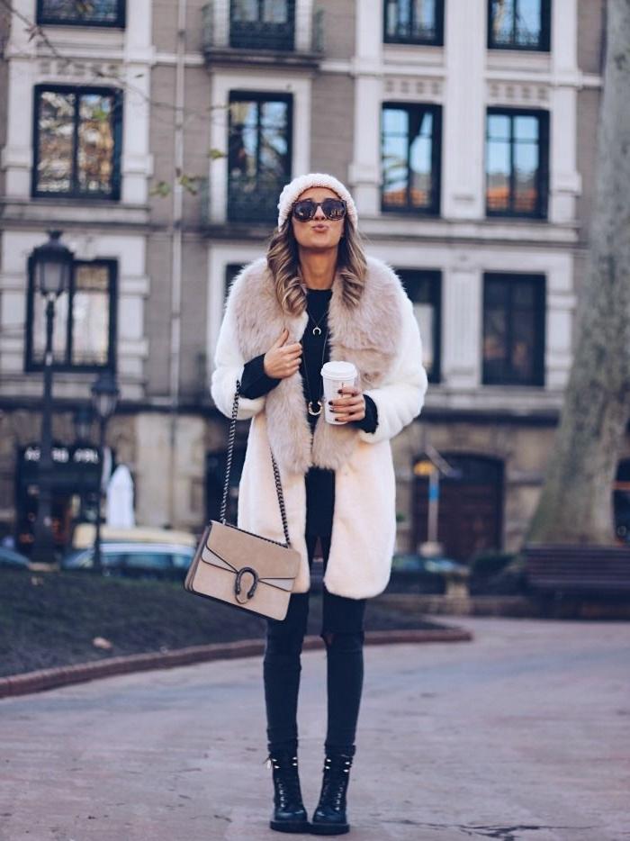manteau long femme, comment s'habiller en blanc et noir avec manteau blanc et pantalon slim noir femme