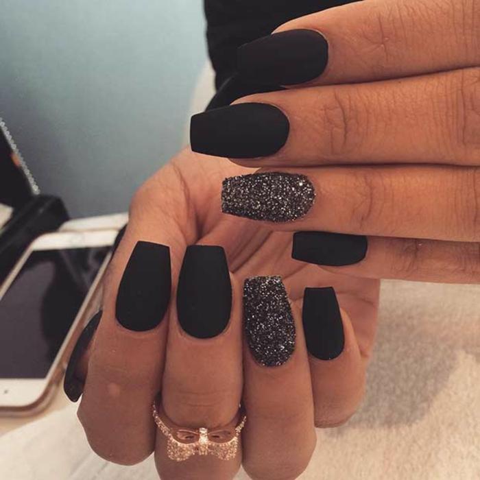 Idée comment faire du vernis noir nail art with matte tendance noir matte et un ongle