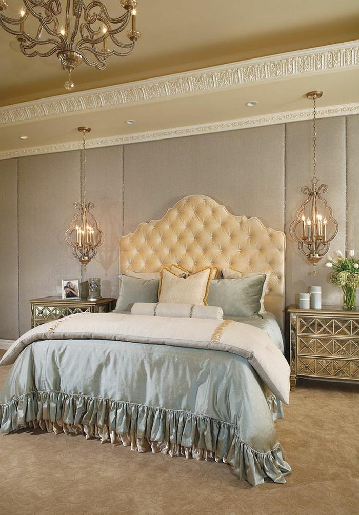 meuble baroque pas cher, éclairage original, mur en couleur taupe, tete de lit champagne