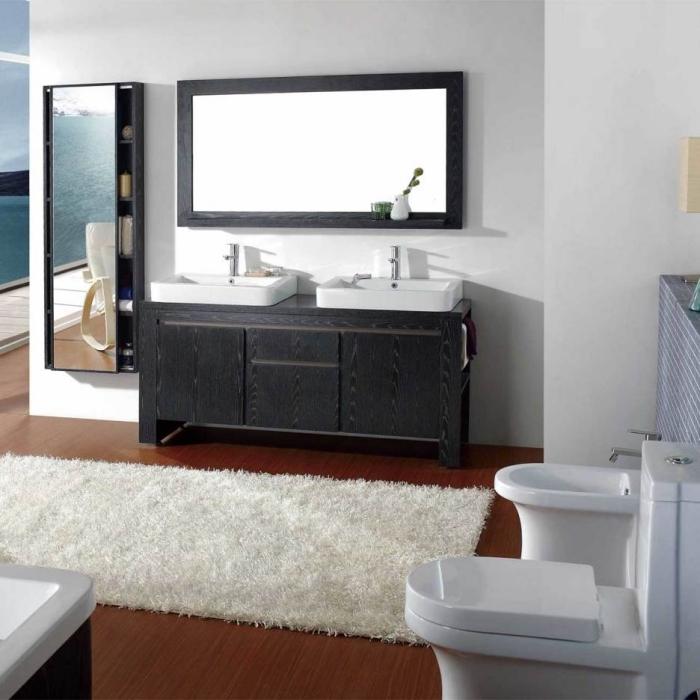 revetement de sol salle de bain, déco salle de bain avec tapis moelleux blanc et meubles en bois peints en noir