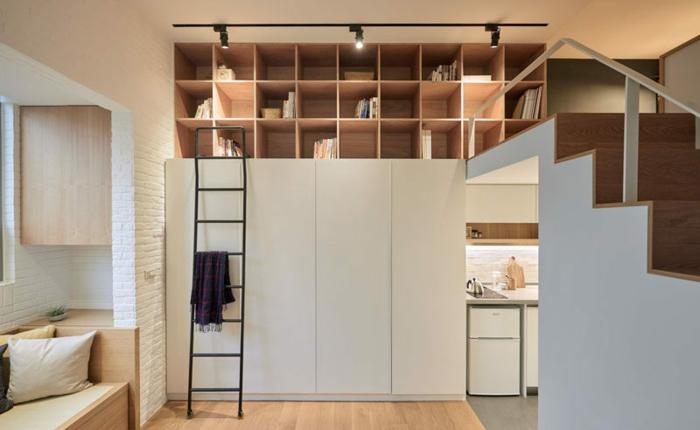 mezzanine chambre, mezzanine avec escalier, bibliothèque en bois design cubique, armoire blanche