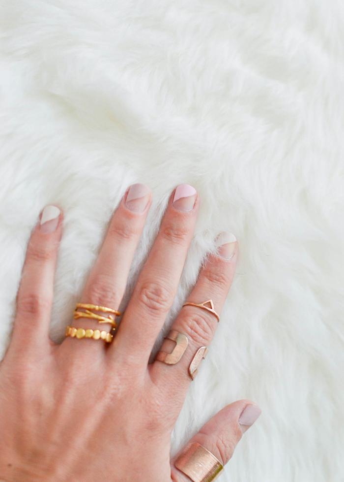 Modèle nail art discret mat et brillant design ongles jolis rose matte sur ongles courtes