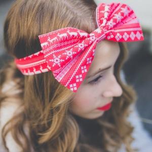 La coiffure de Noël en 66 tutoriels et idées sublimes pour un look femme stylé