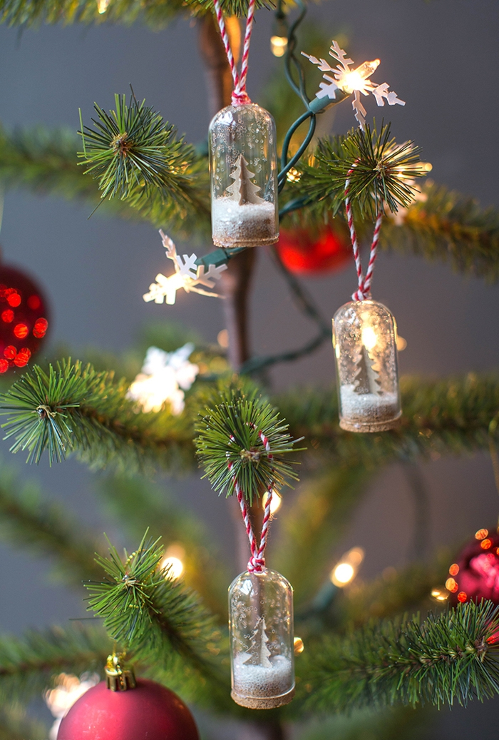 mini cloche en verre en suspension à motif payasage de noël