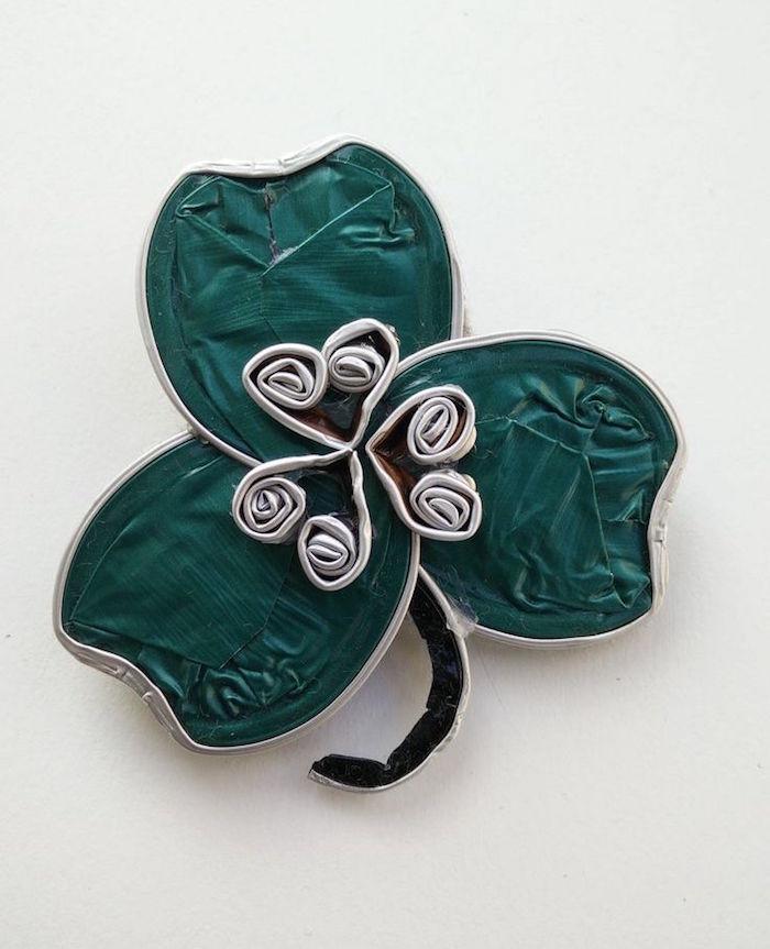 fabriquer bijoux capsules nespresso broche trefle quatre feuilles irlandais