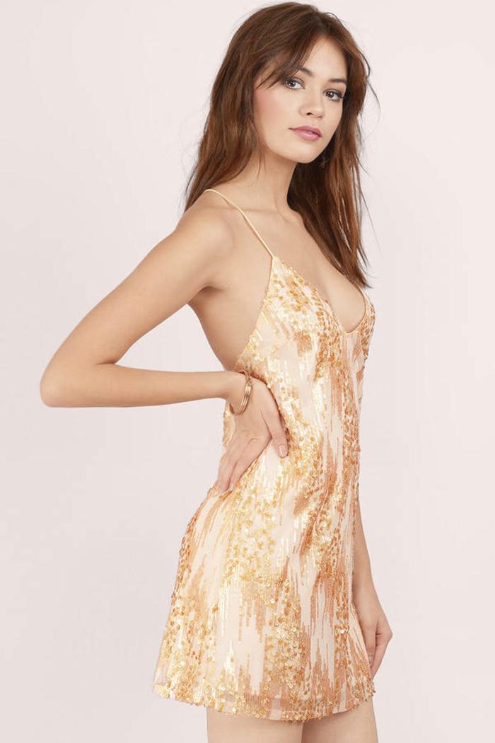 Moderne robe dorée et blanche robe doré accessoires tenue complète courte robe doree