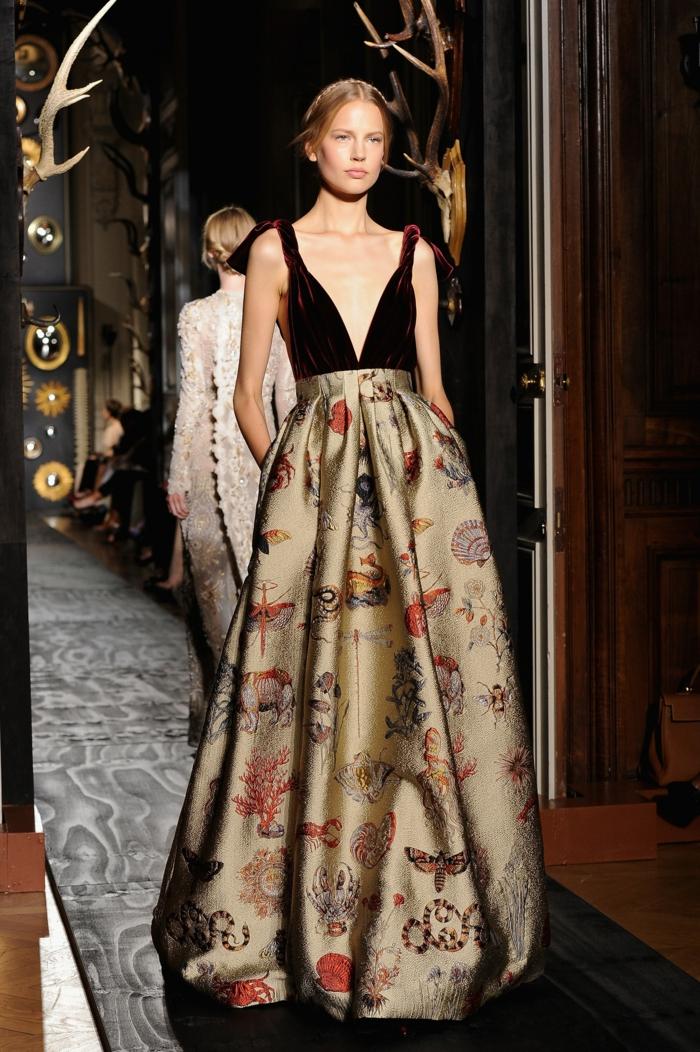 Élégante robe longue dorée robe noir et doré quelles chaussures robe longue deux pièces