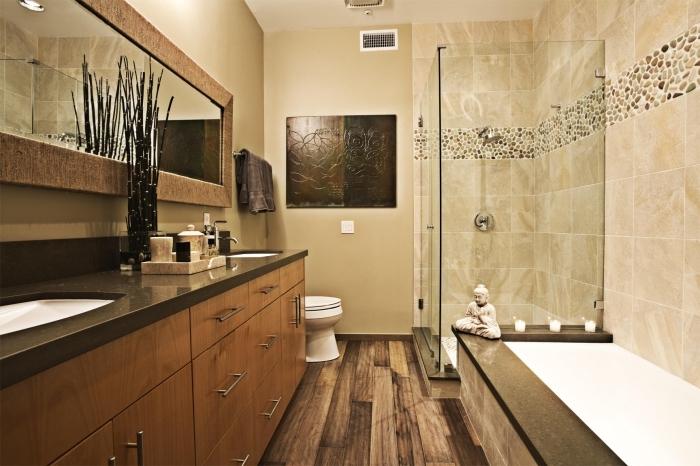 recouvrir carrelage sol, déco salle de bain en beige et bois, ambiance zen et meubles de bois dans salle de bain