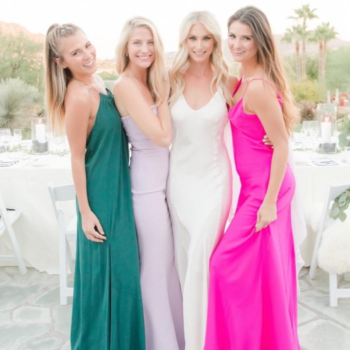 robe ceremonie mariage, invitées au mariage en robes longues, robe longue fuschia avec bretelles, robe longue avec bustier de rose pâle
