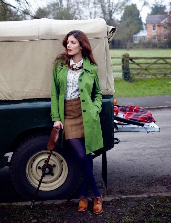 femme style champêtre retro vert anglais femme à la campagne