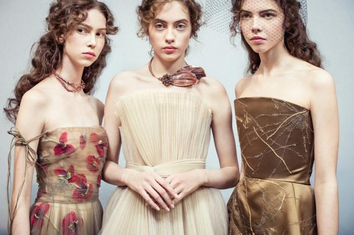 robe habillée pour mariage, 3 looks actuels, 3 robes avec des bustiers, matières satinées, nuances marron et bronze