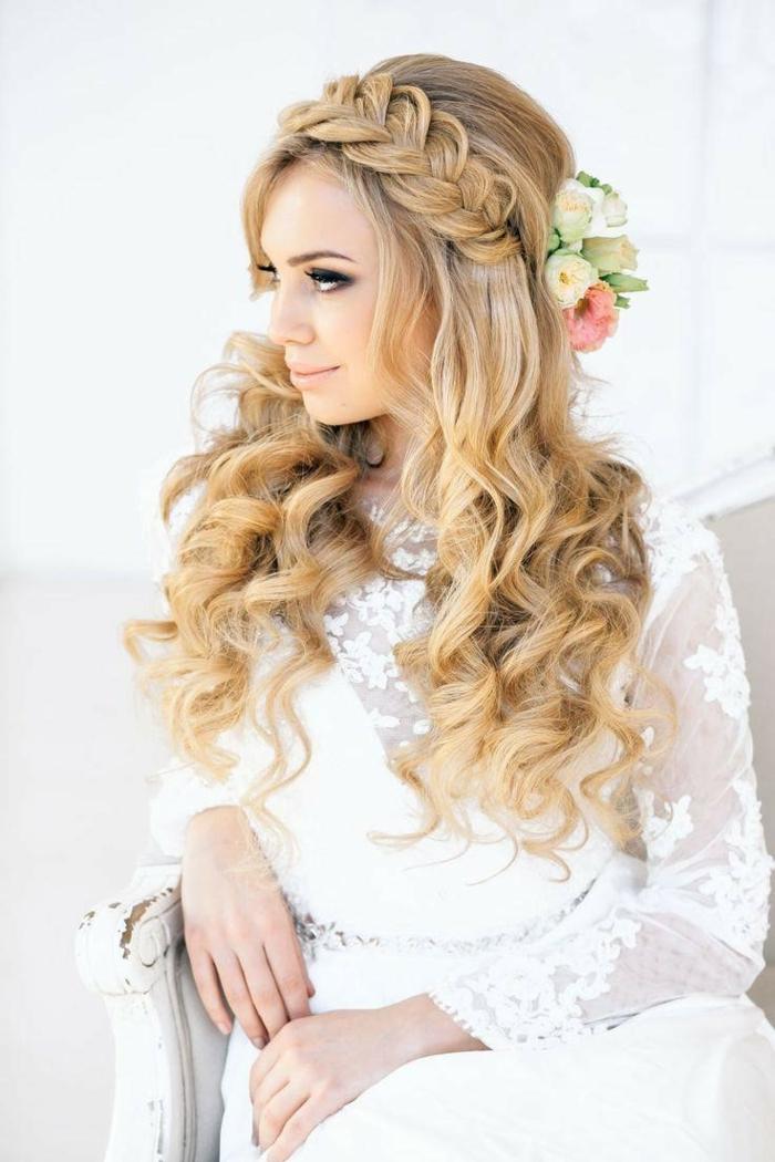 Coiffure mariage cheveux mi long bouclé idée comment se coiffer tresse et boucles