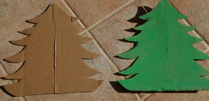 sapin de noel en carton, sapin à faire soi-même avec deux pièces de carton
