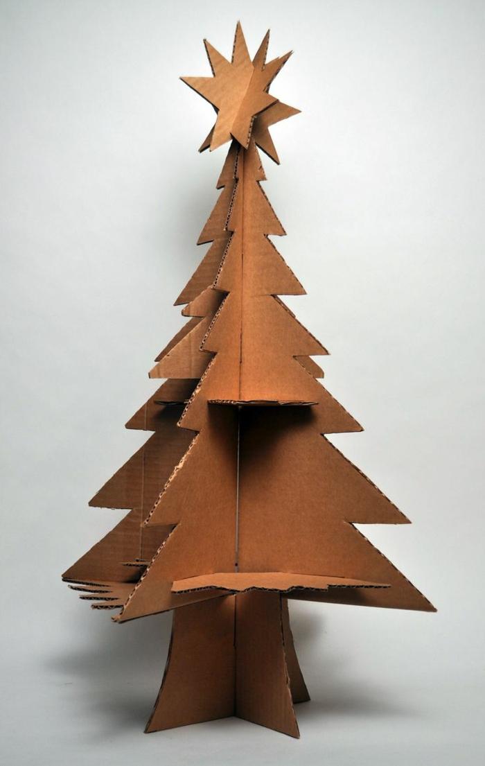 sapin de noel original, sapin à faire en carton, sapin 3D, une étoile 3d au sommet