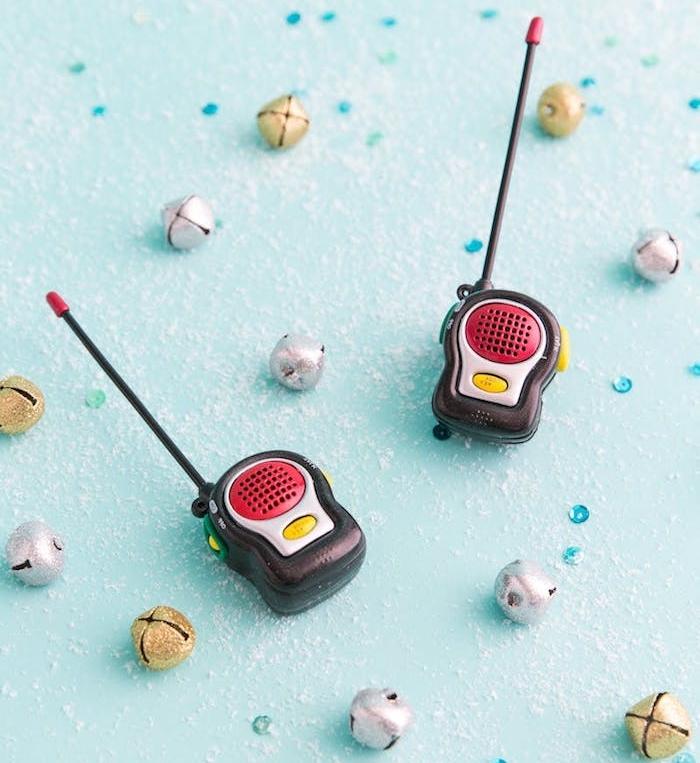 talkie walkie miniature, idée de jouet geek, cadeau de noel ado garcon simple de urban outfitters