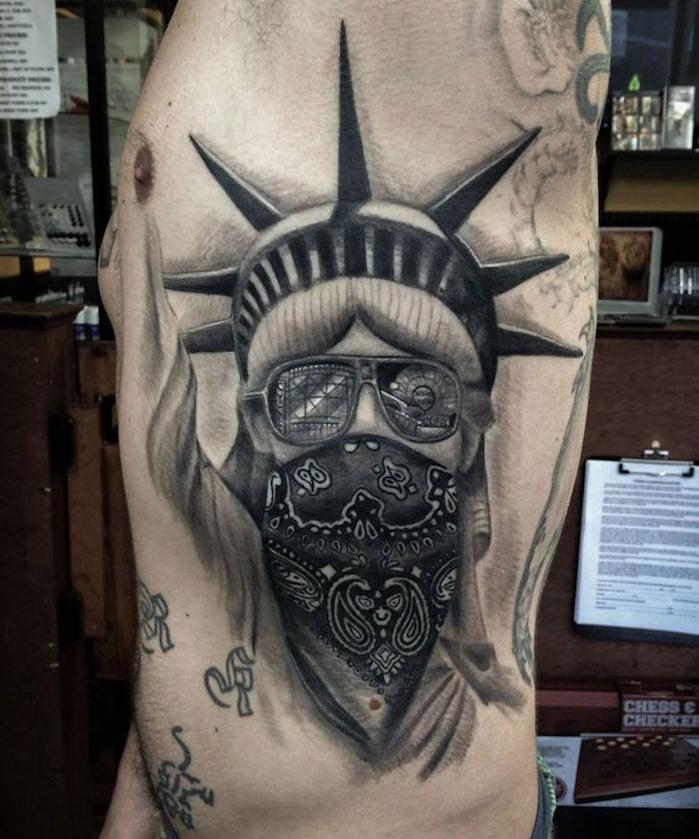 signification tattoo signification tatouages symbole du voyage tatouage courage statue de la liberté