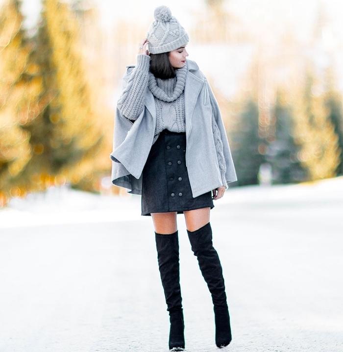 manteau femme, comment porter les couleurs neutres ensemble, manteau et pull gris avec jupe et bottes noires