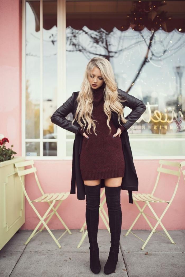idee pour s habiller, look féminin avec tunique bordeaux et bottes cuissardes foncées, modèle de manteau en cuir noir