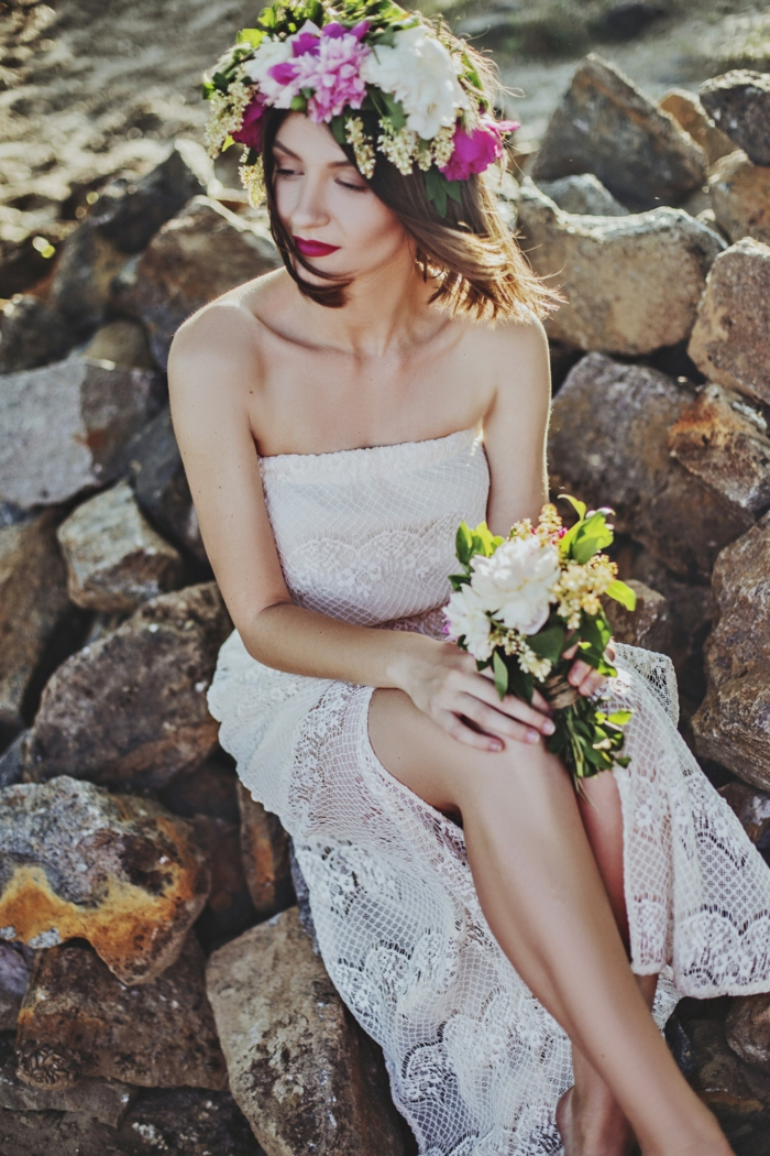 Fashion coiffure mariée cheveux lachés tendances coiffures cheveux mi longs couronne de fleur