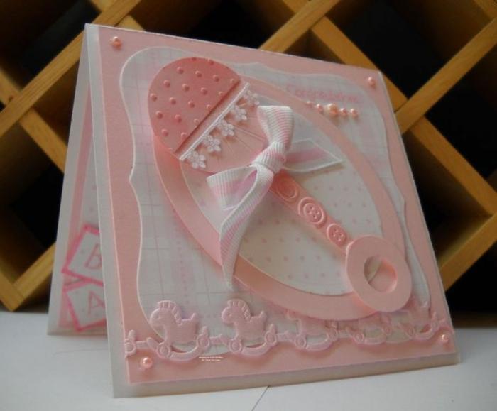 idée fairt part naissance, carte en rose et blanc, design mignon