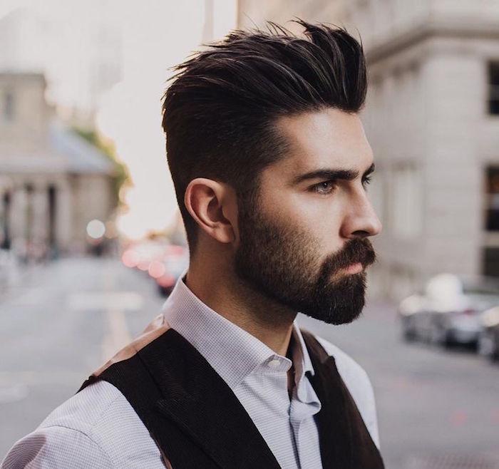 tailler sa barbe hipster avec bouc et coupe tendance homme