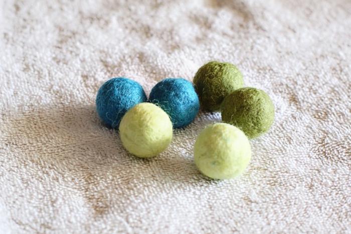 boules faites avec de l'eau, petites créations uniques à faire avec les enfants