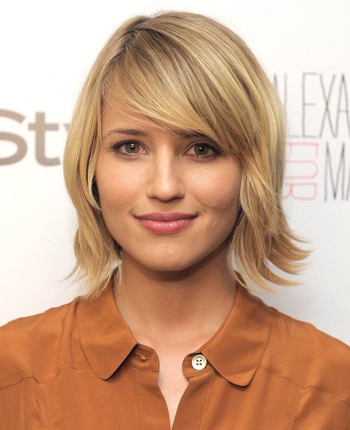 coiffure femme carré plongeant dégradé blond
