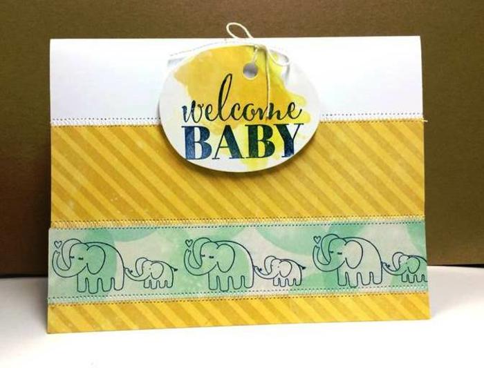 carte de naissance amusante, famille d'éléphants et texte bref, idée créative
