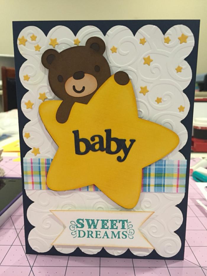 carte naissance originale, ourson qui tient une étoile jaune, joyeux rêves