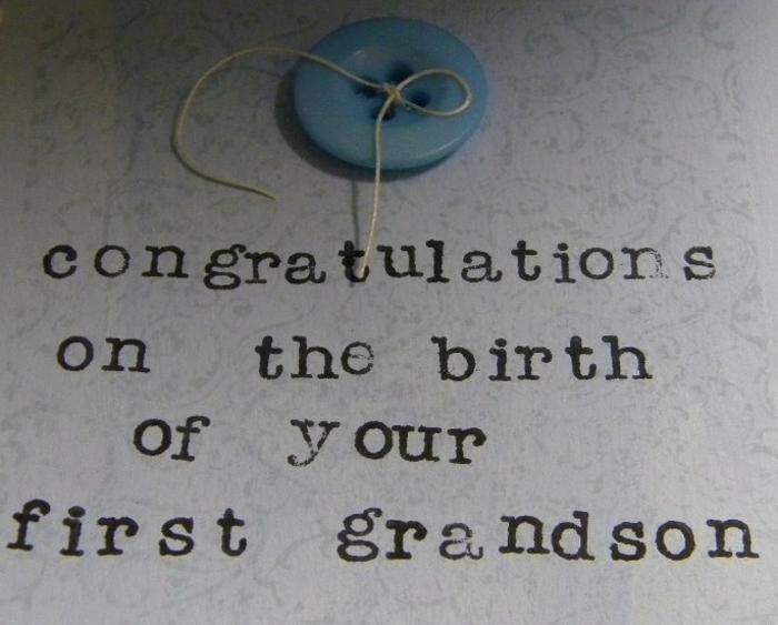 carte diy de naissance pour les grand-parents avec un simple bouton cousu