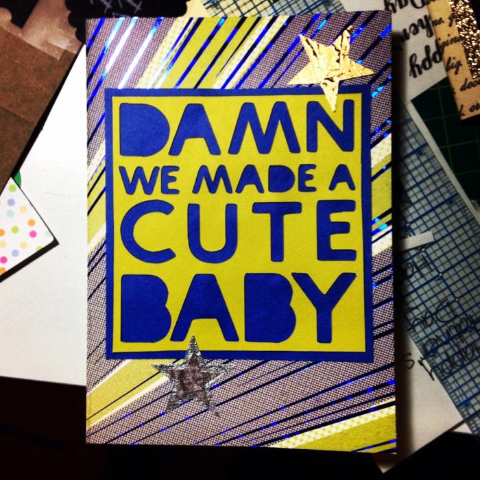 faire une carte personnalisée, carte super colorée, texte en jaune et bleu