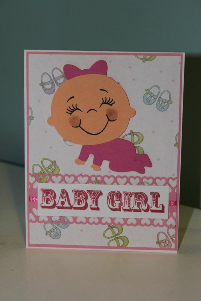 faire-part amusant, bébé fille, dessin de bébé habillé en rose et petites paires de souliers