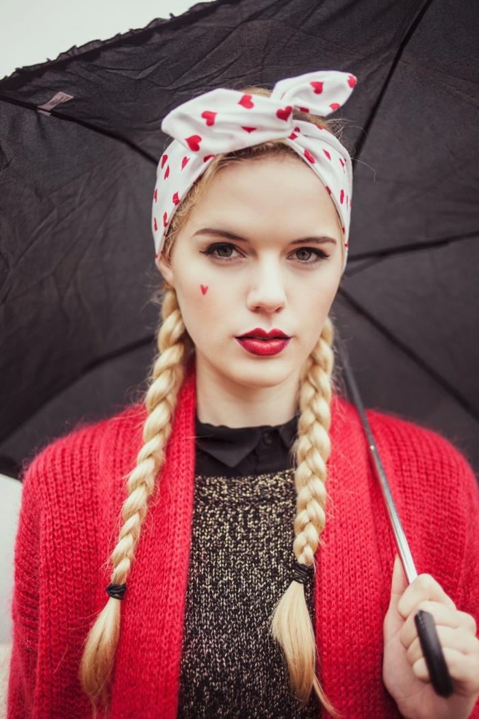 comment mettre un headband, idée coiffure pour cheveux longs en deux tresses de couleur blond miel