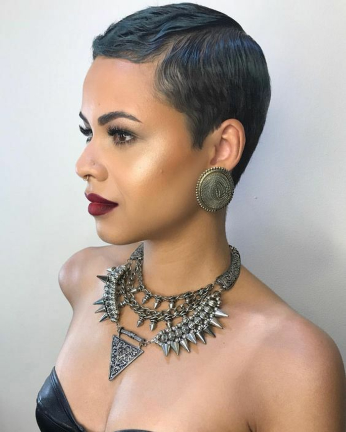 1001 id es pour des coupes courtes les coiffures pour for Coupe de cheveux court femme noire