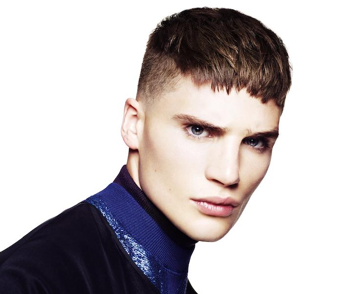 coiffures courtes dégradé bas homme tendance dessus avant