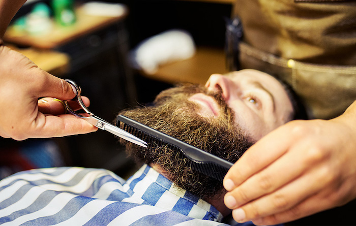 tailler sa barbe longue comment entretenir longue barbe de hipster